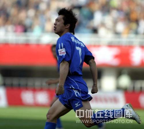 图文:[中超]陕西VS长春 王鹏庆祝