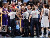 图文:[NBA]湖人不敌爵士 裁判控制局势