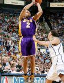 图文:[NBA]湖人不敌爵士 费舍尔投篮