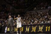 图文:[NBA]黄蜂VS马刺 帕克上场