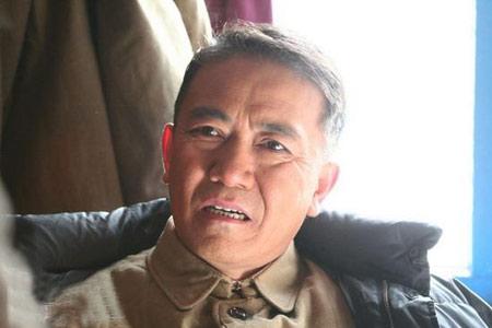 李幼斌在《我的太阳》中饰演老革命军人王强