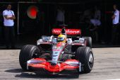 图文:F1保罗里卡多试车首日 汉密尔顿驶上赛道
