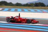 图文:F1保罗里卡多试车首日 莱科宁极速狂飙