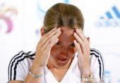 图文:网球名将海宁宣布退役 稳定情绪