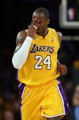 图文:[NBA]爵士VS湖人 科比深沉表情