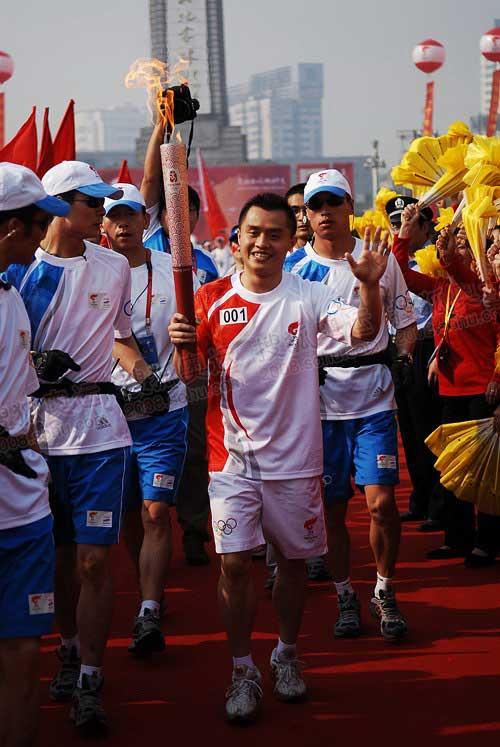 20080516南昌第一棒奥运冠军彭勃-董家彤1