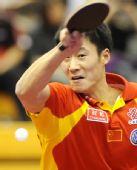 图文:中国赛男单第一轮战况 王励勤场上英姿