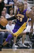 图文:[NBA]爵士VS湖人 科比冲锋陷阵