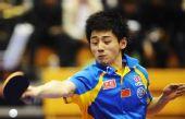 图文:中国赛男单1/8决赛 张继科在比赛中回球