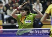 图文:中国赛女单1/4决赛 姜华�B面不改色