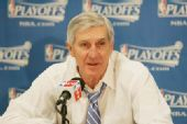 图文:[NBA]湖人胜爵士 爵士主帅斯隆