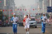 组图:奥运火炬在浙江传递 抗震救灾成活动主题