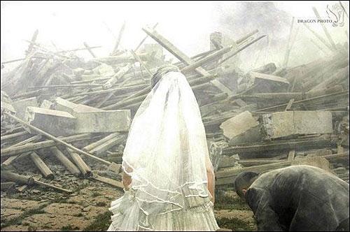 Wedding photog captures China quake Img256926613