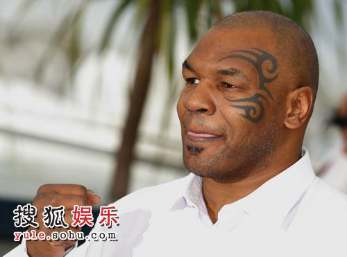 组图:《泰森》见面会 拳击手迈克-泰森亮相-搜狐娱乐; 纹身刺青纪录片