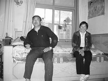 图一:刘春红的父母 本版照片均由记者李夫杰摄