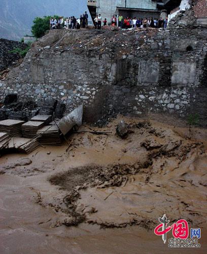 泥石流袭击灾区甘肃文县