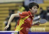 图文:中国公开赛张怡宁4-2郭跃 郭跃发球瞬间