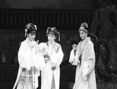 袁雪芬,徐玉兰,吕瑞英,张桂凤4位越剧大家近乎完美地演绎了《西厢记》图片