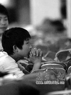 渴望复课的北川中学学生。