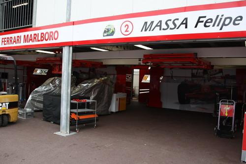 图文:[F1]摩纳哥大奖赛赛前 法拉利维修间