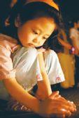 擦干泪水继续前行--全国哀悼日第三天京城见闻