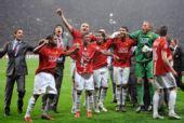 图文:[欧冠]曼联7-6切尔西 疯狂庆祝