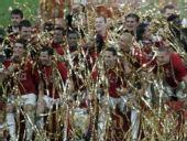 图文:[欧冠]曼联7-6切尔西 金袍围绕