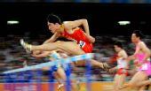 图文:刘翔首演13秒63晋级 中国飞人速度超人