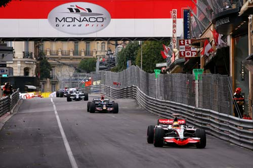图文:[F1]摩纳哥站第三次练习 众车手不慌不忙