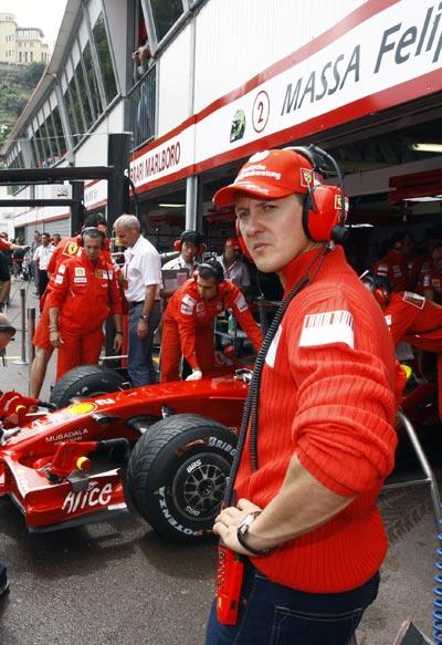 图文:[F1]摩纳哥站排位赛 舒米关心前队友