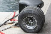 图文:[F1]摩纳哥站排位赛 脱落的轮胎