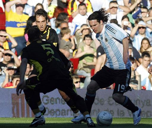 """图文:阿根廷国奥1-0加泰联 梅西""""主场""""作战"""