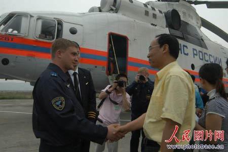 市人大主任杨步润代表市委、市政府欢迎和感谢俄罗斯政府对绵阳地震灾区的支援。  版权作品,请勿转载。