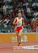 图文:中国赛女子5000米决赛 即使最后也不放弃