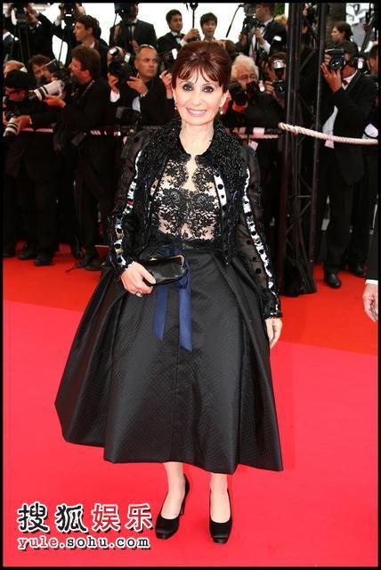 图:戛纳电影节红毯法国电影爱莉-安艾柯亮相女星脑洞大开图片