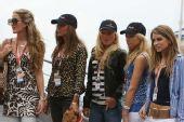 图文:F1摩纳哥站美女 红牛女郎金发美女