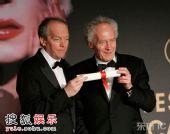 图:达内兄弟获最佳剧本奖 出席颁奖礼后记者会