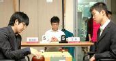 图文:LG杯世界棋王战首轮赛况 汪涛观察对手