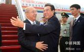 图文:中国国民党主席吴伯雄率团抵达南京
