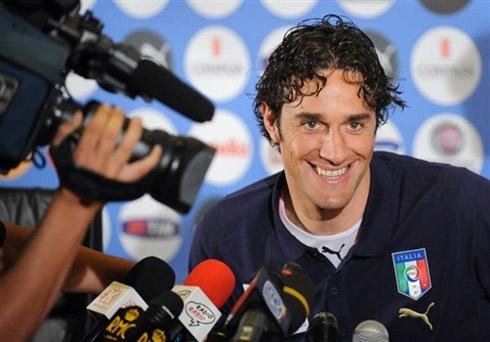 图文:意大利队集训备战欧洲杯 托尼轻松面对