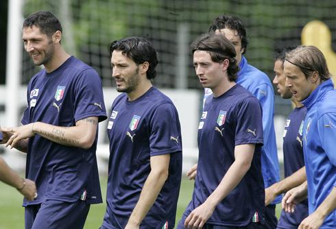 图文:意大利队集训备战欧洲杯 意大利众星云集