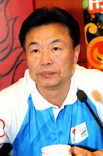 市体育局群体处处长陈苏宁出席大会并讲话