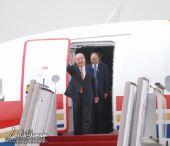 图文:吴伯雄率中国国民党大陆访问团抵达北京