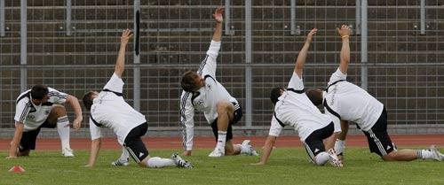 图文:德国队备战欧洲杯 德国众将欲展翅欧洲杯