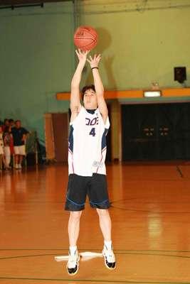 作文高中267_400竖版竖屏篮球造就a作文体育执着图片