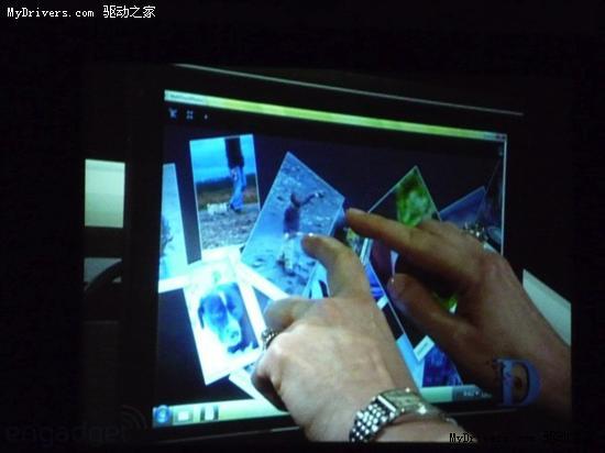 盖茨鲍尔默展示Windows 7触摸界面