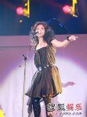 蔡健雅精彩写真 唱的很投入