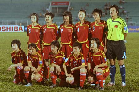 图文:[亚洲杯]女足VS越南 女足首发