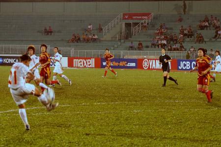 图文:[亚洲杯]女足VS越南 越南反攻