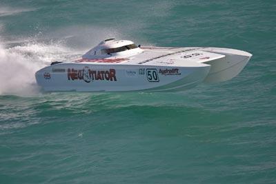 风靡全球的Class-1赛艇